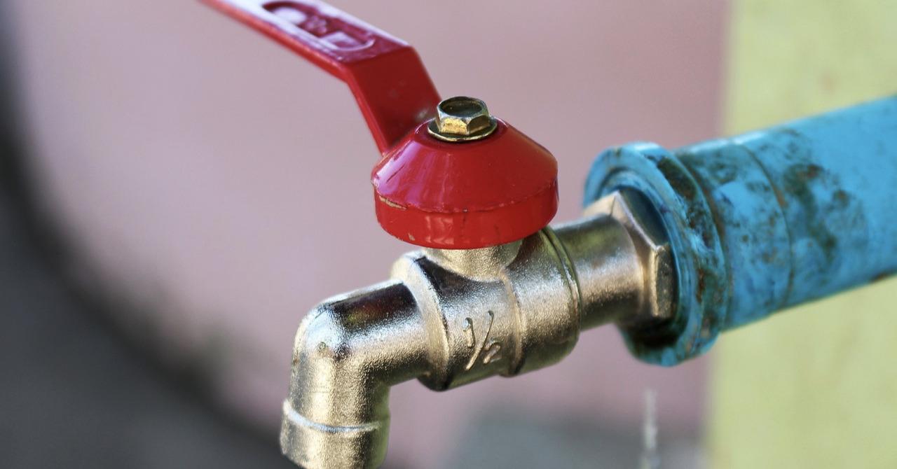 Faucet-Plumbing-Water-Pipe-Valve-Tap-Water-Tap-1933195